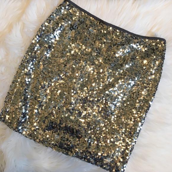 9949b5e54936 White House Black Market Skirts | Nwt Whbm Silver Sequin Mini Skirt ...